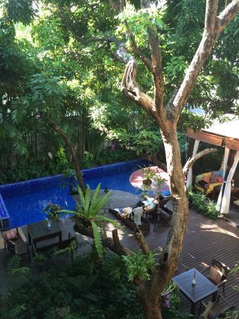 Baan Klang Wiang: Charming courtyard