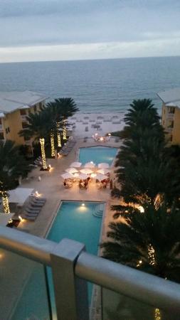 Edgewater Beach Hotel: View from balcony