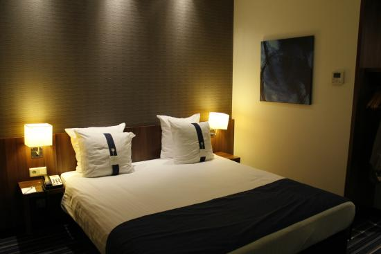 Holiday Inn Express Amsterdam-Schiphol: Room