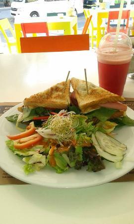 Fruta Madre: El Club Sandwich mejor del mundo.