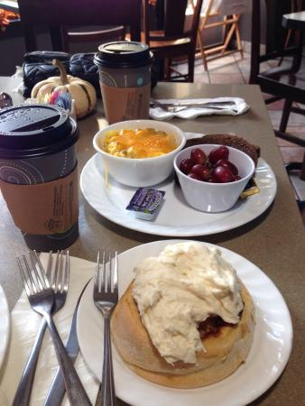 Kelly's Bakery &  Cafe: What an awesome start to a busy day!
