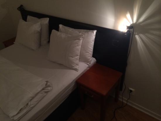 First Hotel Norrtull: Sänglampa