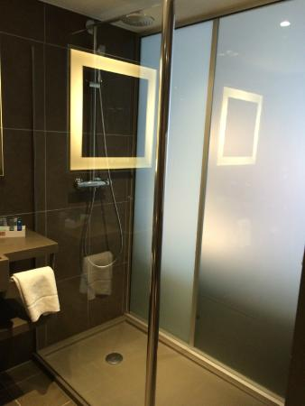 Bathroomsmart Glass Picture Of Novotel London Blackfriars London