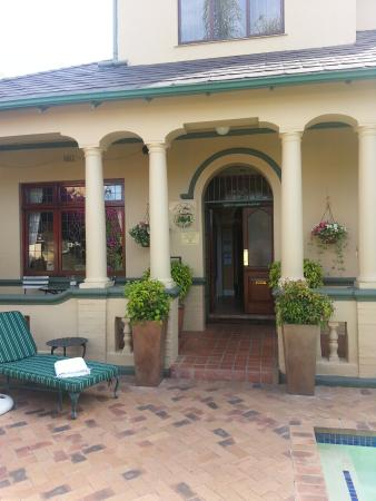 Olaf's Guest House: Front