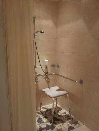 Reduce Hotel Vital: Zimmer 608 - mit dem Charme eines Pflegeheimes