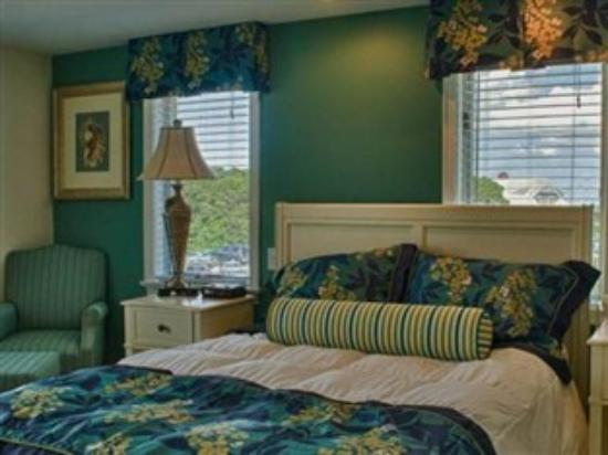 Ocean Club On Smugglers' Beach: Our Beautiful rooms!