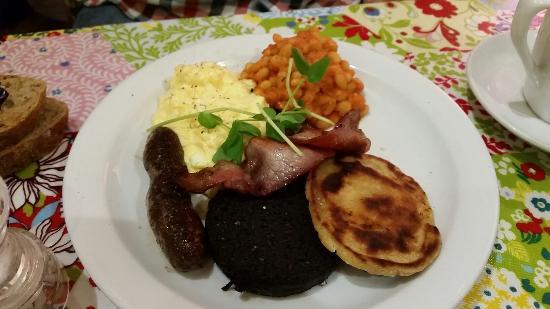 Broughton Delicatessen and Cafe: Full Scottish breakfast