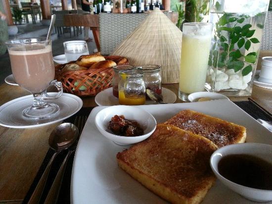 L'Alyana Villas Ninh Van Bay: breakfast