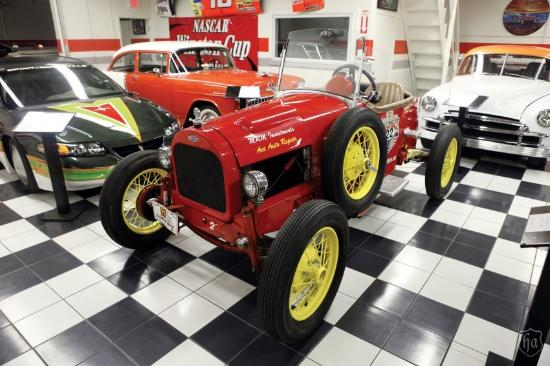 Neat old race car Picture of Martin Auto Museum Phoenix