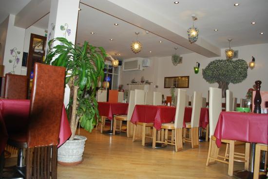 Organic Pizza House: inside the restaurant