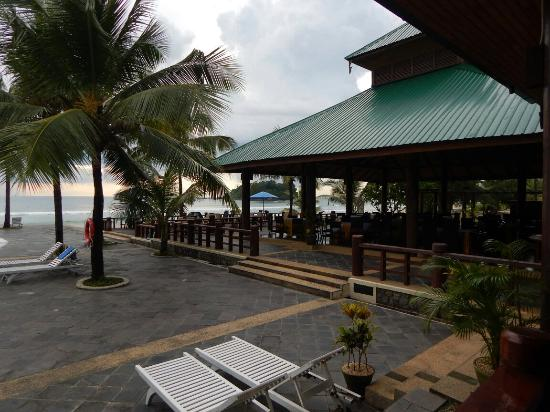 Central Hotel Ngwesaung Beach