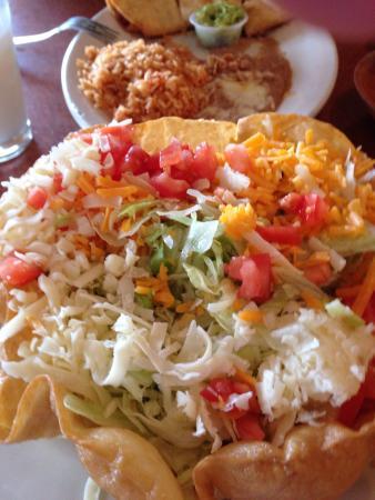 Mi Margarita Mexican Restaurant: Taco salad