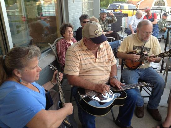 Paoli, IN: Every Wednesday evening at 6 p.m., there's a music jam.  All are welcome!