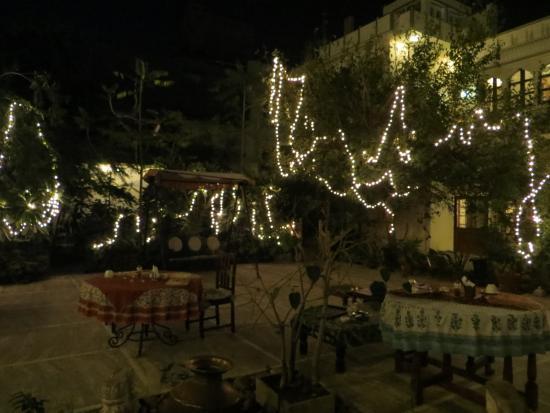 Dera Mandawa: Magical courtyard