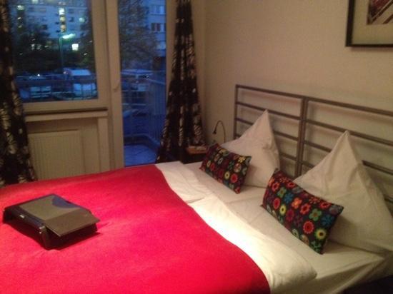 Art Hotel Korschen: Zimmeransicht mit Balkon zum ruhigen Hof