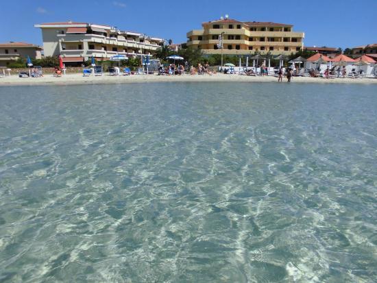 Hotel Castello : albergo visto da mare