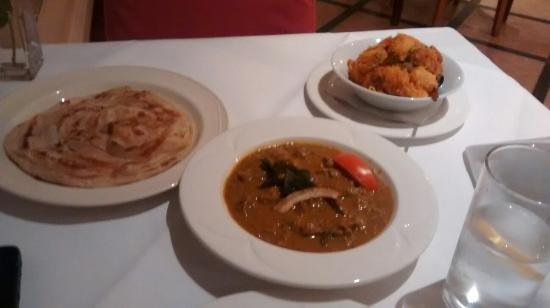 Rasa Maricham : Malabar Erachi Chaaru with spicy potatoes and paratha