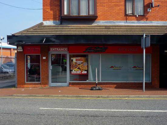 Pizza Hut Wrexham Delivery 1 Market St Restaurant