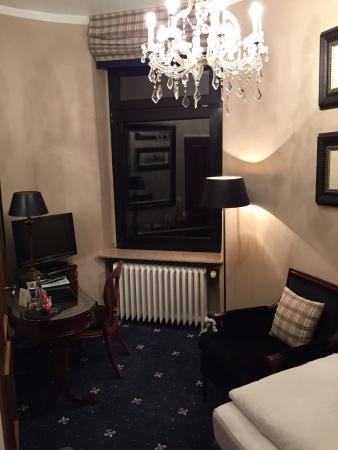 Windsor Hotel: Room