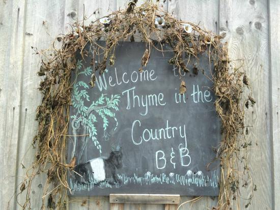 Thyme in the Country: Welcoming sign