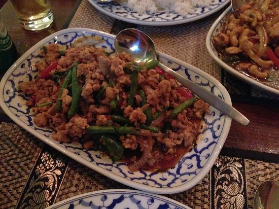 Bird Thai Restaurant: Kai Met Ma Moeang