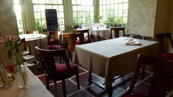Hotel de la Cote d'Or: The homelike restaurant room