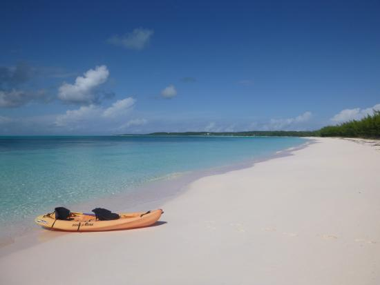 Shannas Cove Resort: Kayak on remote beach