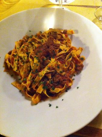 Enoteca Il Grappolo: Tagliatelle alla bolognese