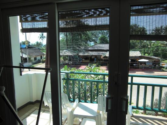 Lanta Mermaid Boutique House: balcony, view to the street