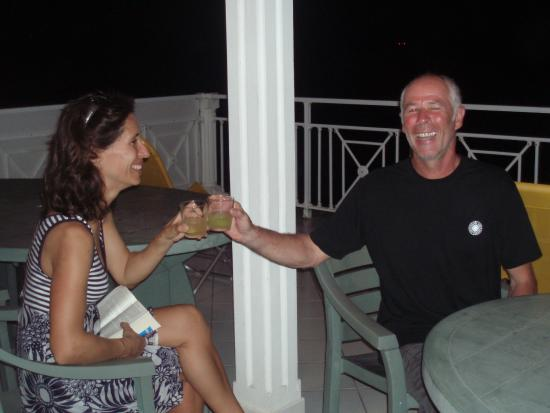 Residence Anse Caraibe: Un verre sur la terrasse