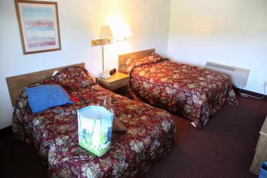 Red Carpet Inn: Double room