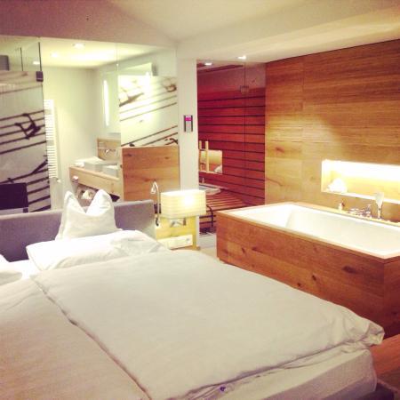 Genussdorf Gmachl - Hotel & Spa: Mozart Room