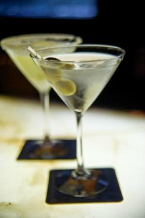 Blackwater Lounge: Signature Martinis