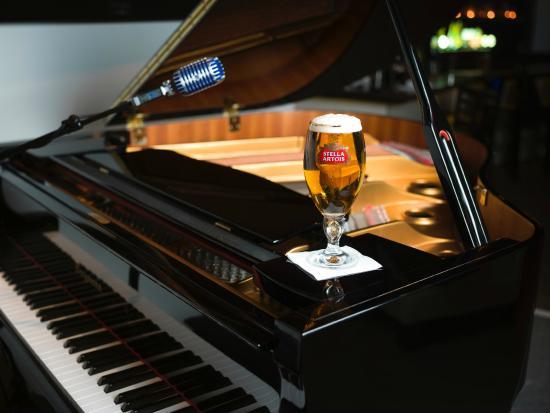 RARE Restaurant & Bar: RARE'S BABY GRAND PIANO