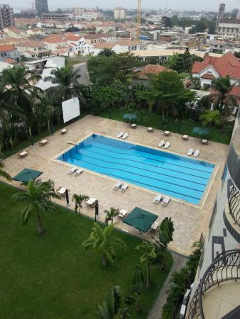 Atlantic Palace Hotel : Piscine vue d'une chambre