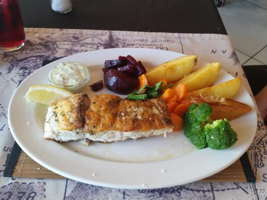 Salinas Beach Restaurant: Excellent kob
