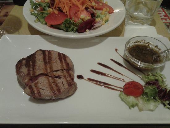 I Monticiani: 200gr di Bife de Lomo con salsa chimichurry