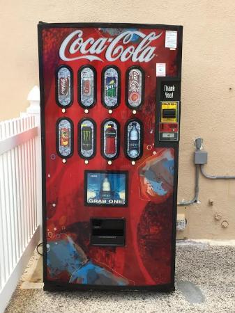 Neptune Hollywood Beach Hotel: New Soda Machine on Property