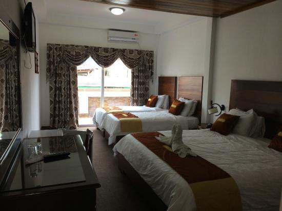 Swan's Cay Hotel 사진