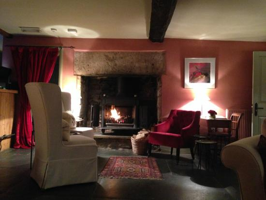 Cross Lane House: The sitting room at Cross Lanes House
