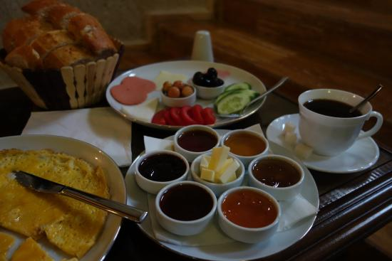 Kemerhan Cave Suites : Breakfast