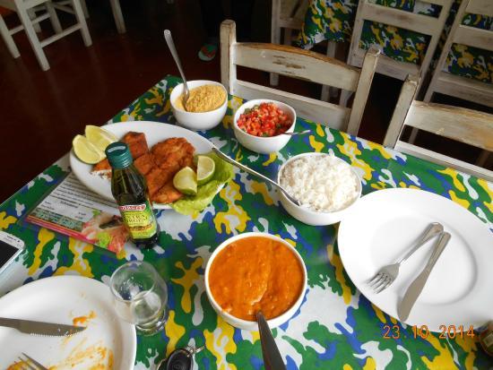 Restaurante Forte Mauricio de Nassau: Pratos do restaurante para 2 pessoas