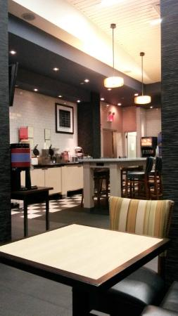 Hampton Inn Manhattan-SoHo : breakkfast area