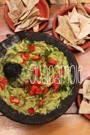 Las Vecinas: Guacamole