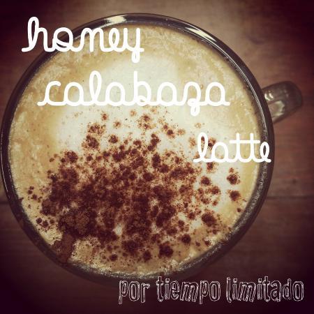 Las Vecinas: Honey calabaza latte, Honey pumpkin latte