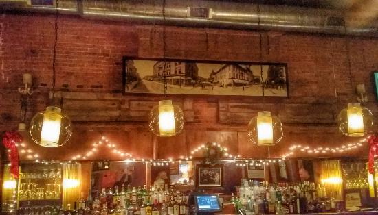 Italian Restaurant With An Irish Bar Best Downtown