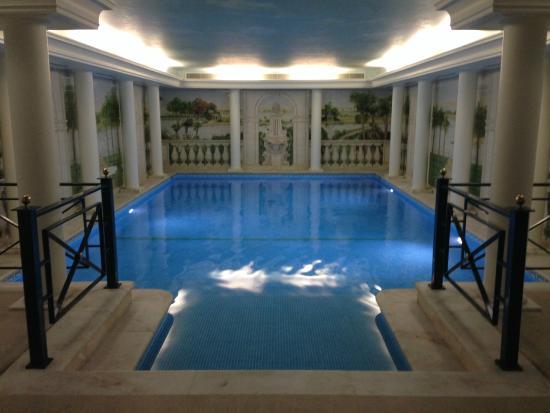 Excelente piscina coberta picture of hotel dos for Piscina coberta