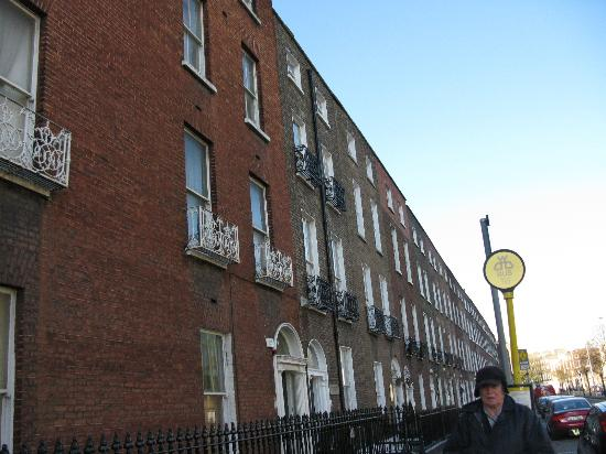 Baggot Court Townhouse: The terrace in which Baggort Court is located.