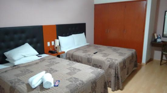Hotel Castropol: Quarto