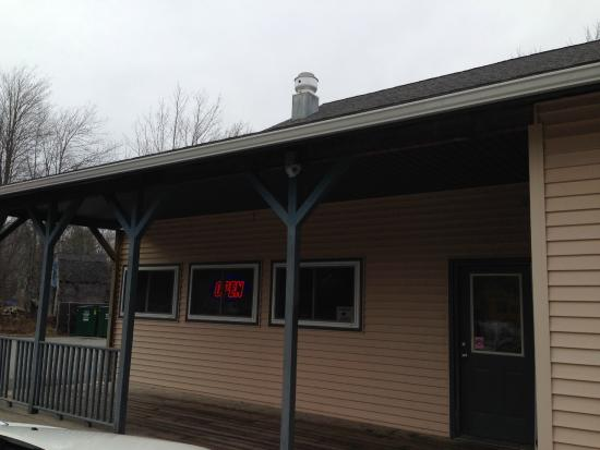 Franklin, ME : Outside view of Trading Post diner